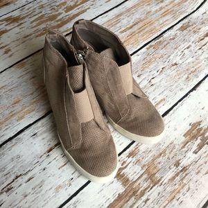MIA wedge sneakers mocha size 8.5